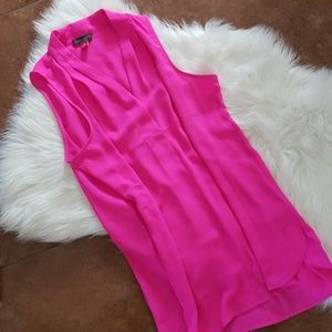 Vince camuto hot pink v cut neck tank top xs